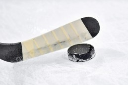 hockey-attention-communication-crise